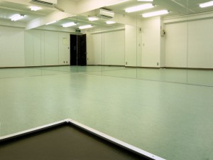 池袋 東口 レンタルスタジオ  では 個人練習 が可能です