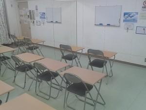 池袋 レンタルスタジオ は 机 椅子 があるので 語学教室 にもおススメです。